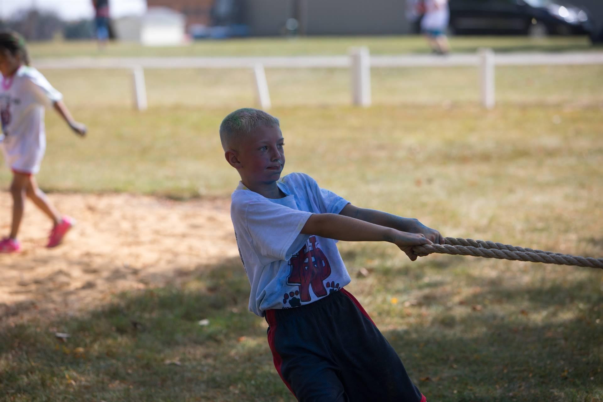 boy 2 at tug of war