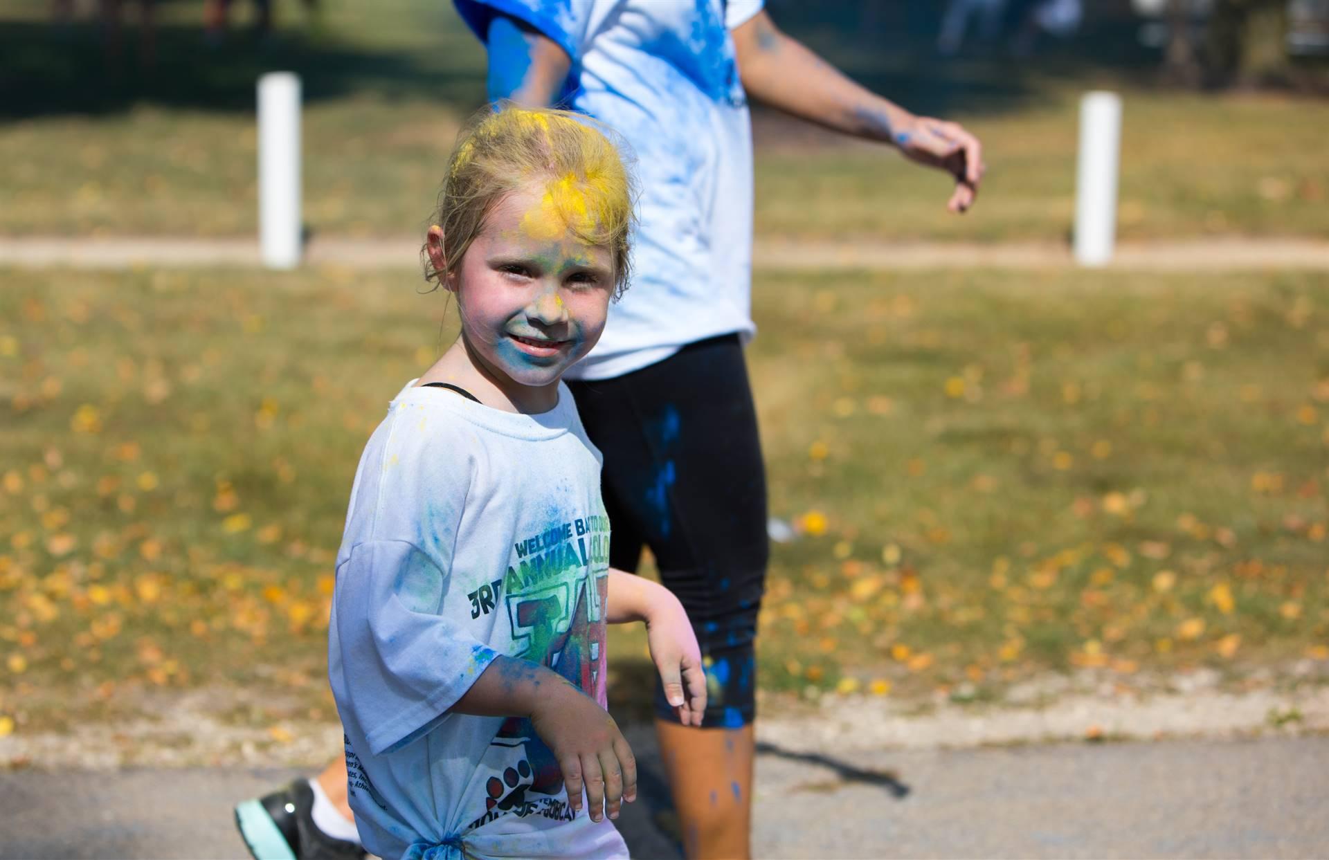 girl 17 at color run