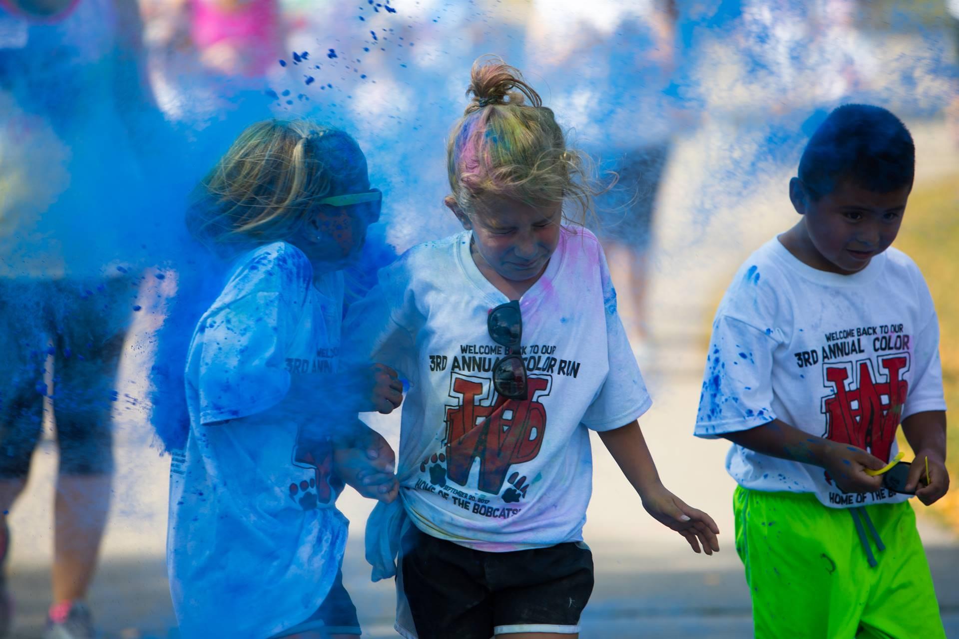 3 kids at color run