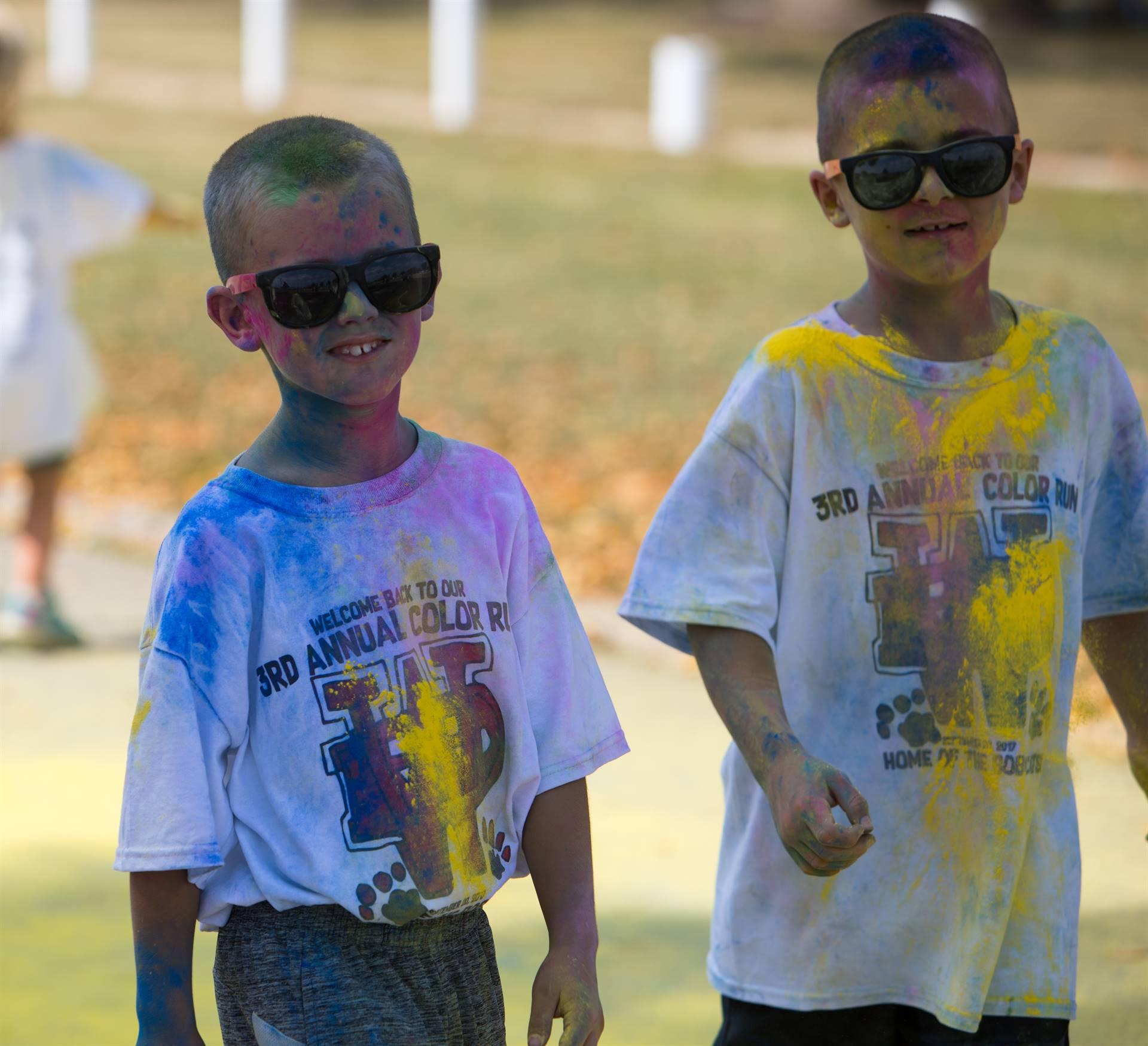 2 boys at color run 2