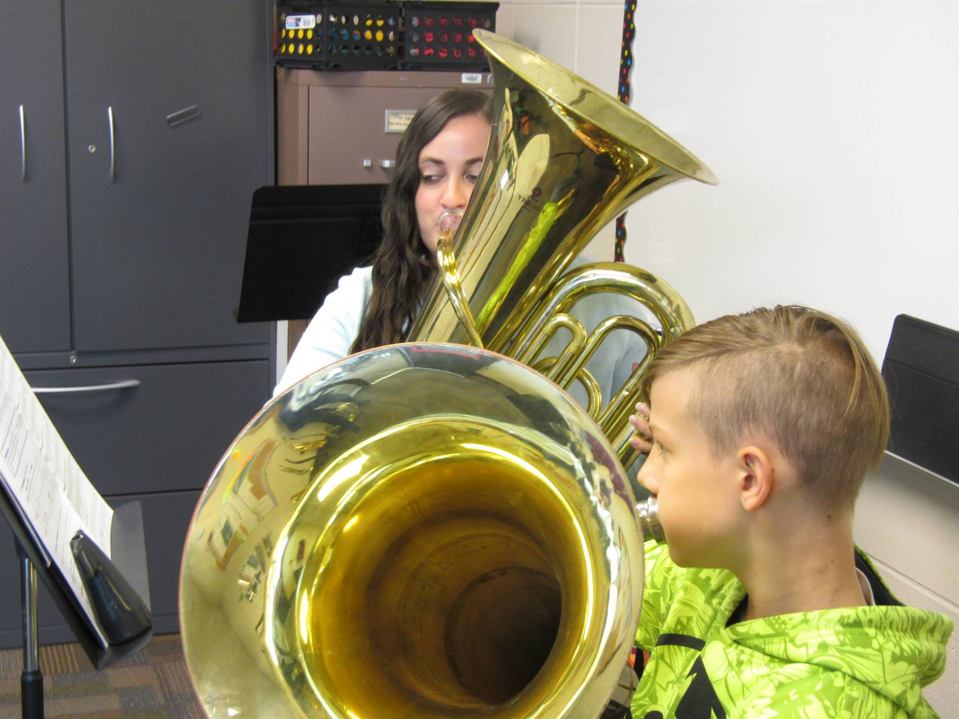 DMIS Band instruction for middle school student