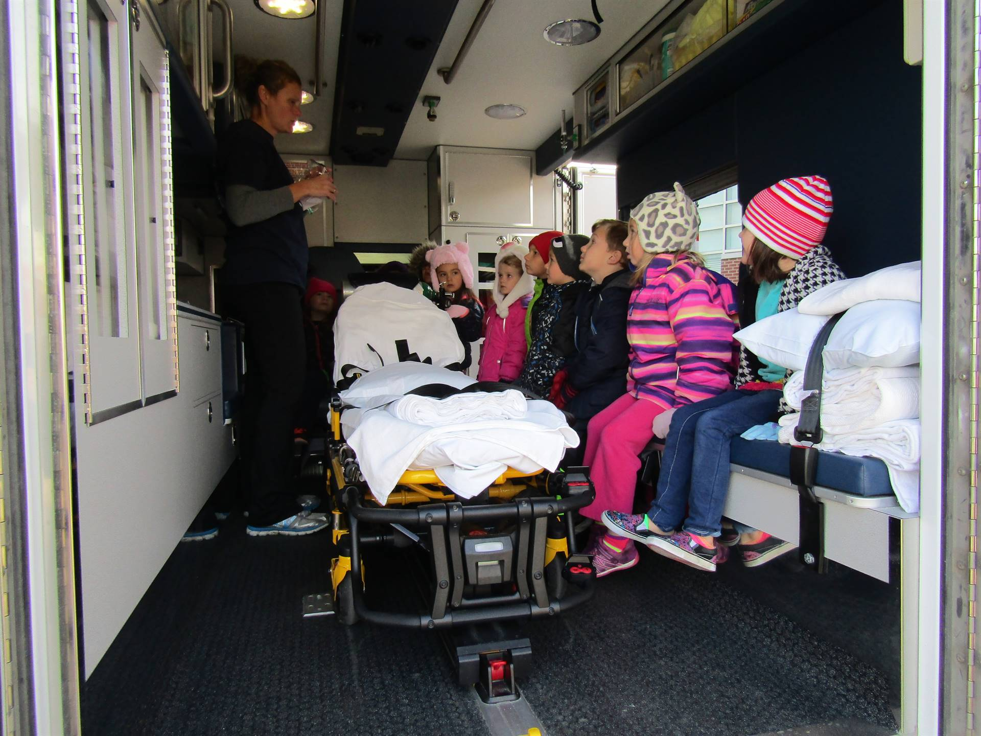 1st graders learning about an ambulance