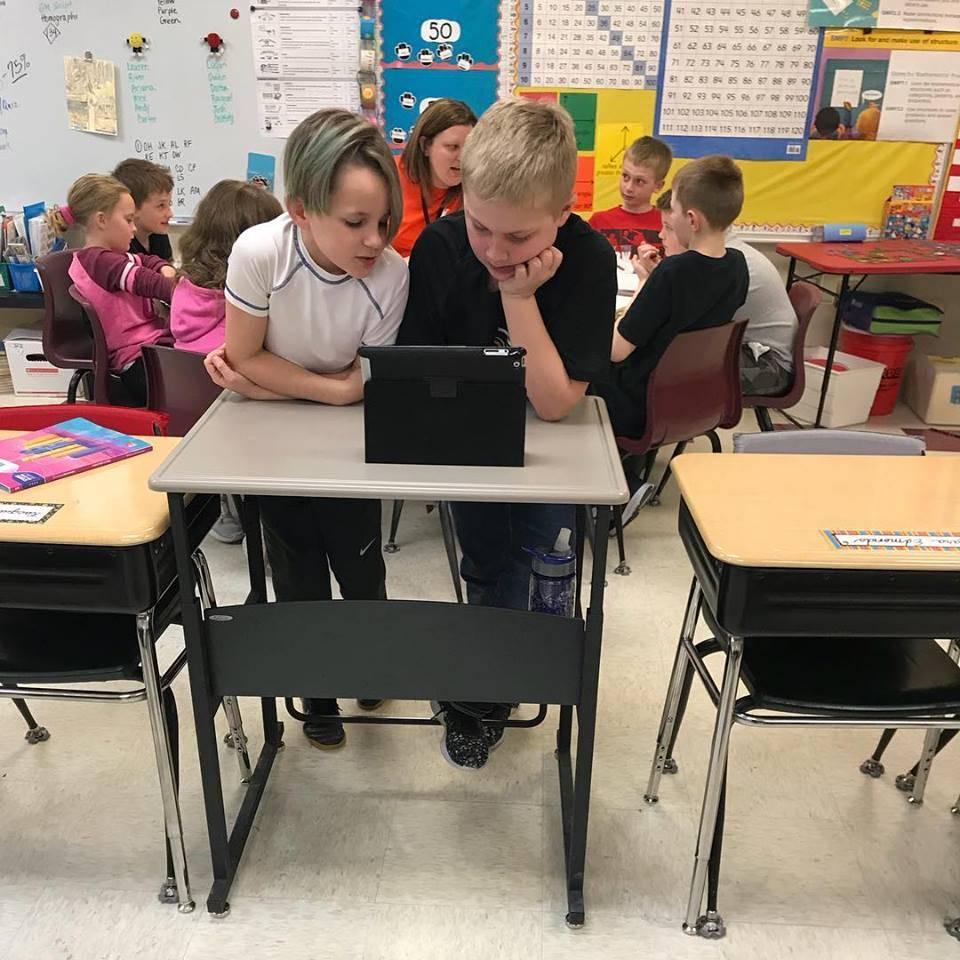 4th graders using iPads to build mathematical skill